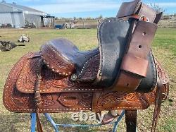 Beautiful Used/vintage Simco 15 buckstitched Western trail /pleasure saddle VGC