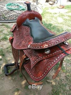 New western Brown leather saddle size 17 inch
