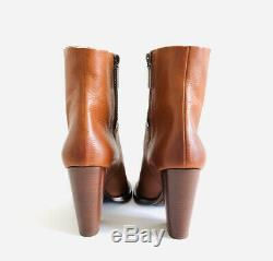Saint Laurent Theo YSL Stitched Calfskin Toscano Leather Ankle Boots. Size 39