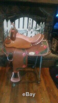 Western saddle 16 barrels trail pleasure show